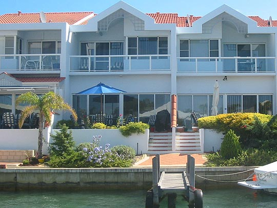 Port Sails Canal Villa, Mandurah holiday rental accommodation private jetty