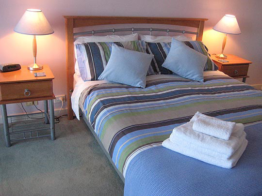 Mandurah family accommodation, hire linen or bring your own