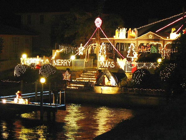 Mandurah's magical Canal Christmas lights at Cambria Island Retreat