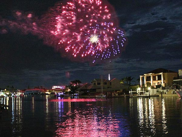 Mandurah's Christmas and New Year's Eve Firework displays can be watched from our villa balcony at Port Sails Canal Villa