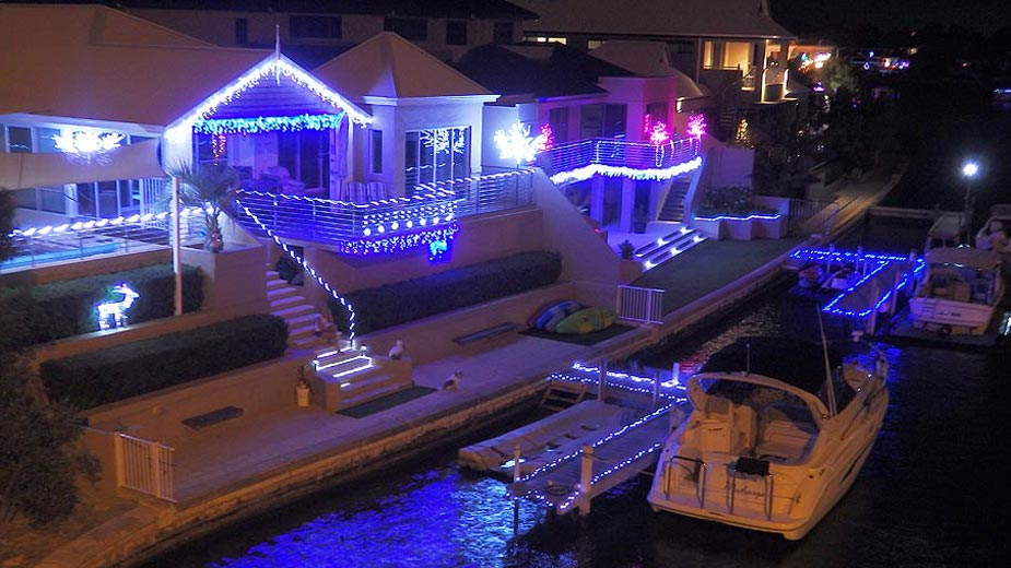Mandurah's wonderful Canal Christmas lights at Genevieve Court