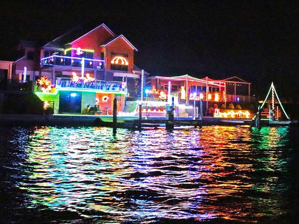 Mandurah's fantastic Canal Christmas lights at Starfire Close